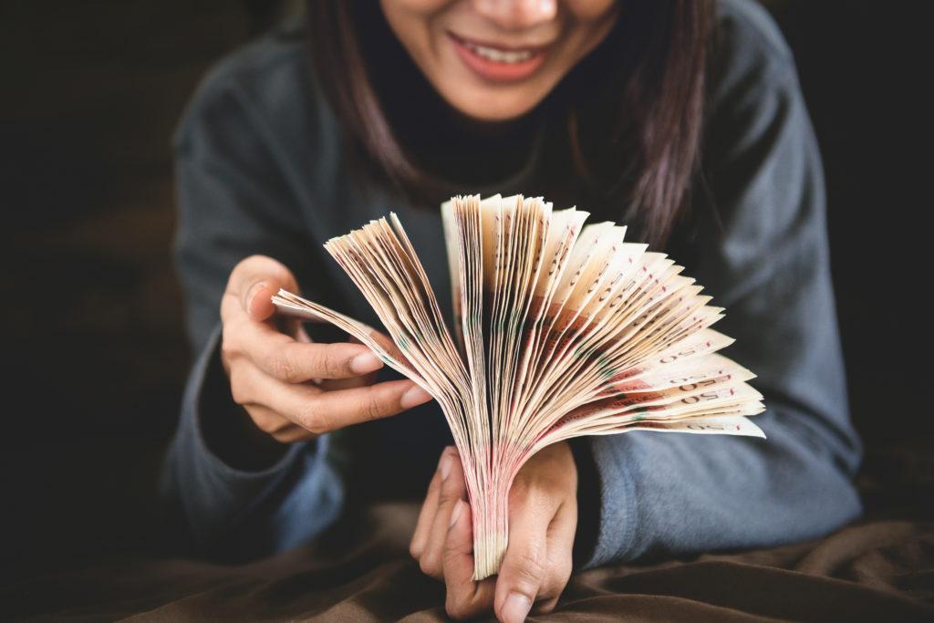 Hochzeitsplaner teilen ihr Einkommen auf das Jahr auf